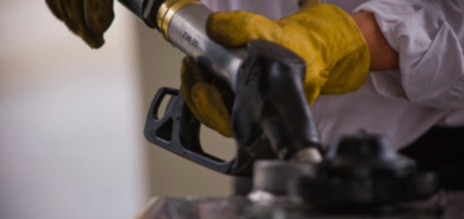 Fuel security: emergency reserve should be in Australia